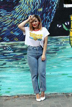 Crop top/Tricou - H&M Jeans/Blugi - American Apparel Shoes/Pantofi - Modlily Earrings/Cercei - random store EN: I do have a thi. American Apparel Shoes, H&m Jeans, Fashion Bloggers, Wonder Woman, Crop Tops, Mom, Shorts, My Style, Board