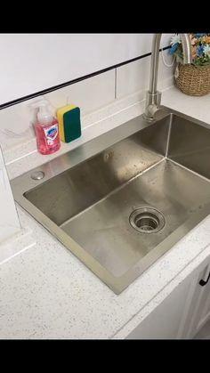 Best Kitchen Sinks, Kitchen Sink Design, Modern Kitchen Design, Interior Design Kitchen, Large Kitchen Sinks, Kitchen Basin Sink, Diy Kitchen Storage, Kitchen Organization, Kitchen Storage Ideas Without Cabinets
