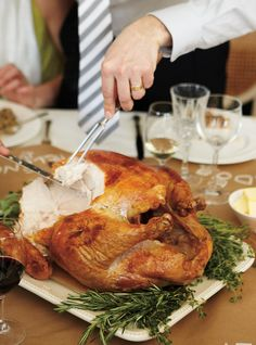 Ricardo& recipe : Roasted Turkey with Spiced Butter Spiced Butter Recipe, Turkey Sauce, Ricardo Recipe, Confort Food, Xmas Food, Roasted Turkey, Roasted Meat, Cooking Turkey, Recipes