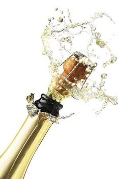 Pop that Champagne. 2015 New Year Celebration. Bon Champagne, Flute Champagne, Champagne Taste, Glass Of Champagne, Sparkling Wine, Auld Lang Syne, In Vino Veritas, New Year Celebration, Nouvel An