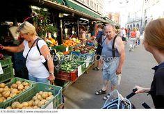 People at the Hevelska Market in Prague