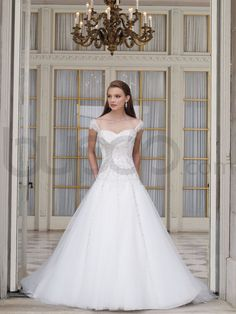 A-line Organza Hand-Beaded Lace Bodice Strapless Sweetheart Neckline Chapel Train Wedding Dresses (ST1928)