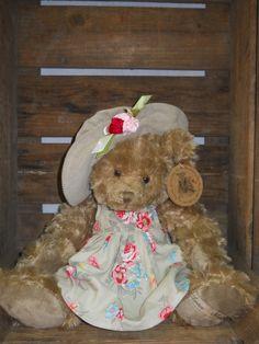 Eleora, ours 42 cm, Louise Mansen, http://www.lamaisondemathurine.com/les-peluches-de-qualite-2/louise-mansen/