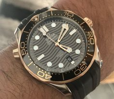 Omega Seamaster Diver Sedna™ Rose Gold on rubber strap Ebay Watches, Watches For Men, Omega Seamaster Diver 300m, Omega Seamaster Professional, Men's Apparel, Men's Collection, Luxury Watches, Omega Watch, Rose Gold