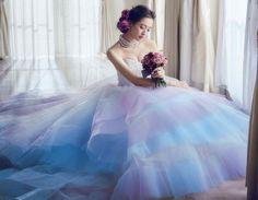 上品&華やかで大人っぽい♡今、大注目の可愛い【ラベンダー色】カラードレス特集*にて紹介している画像