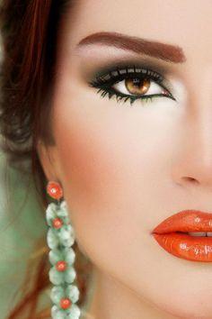 smokey eye with green & orange lips Beauty Makeup, Hair Makeup, Hair Beauty, Orange Lips, Coral Lips, Red Lips, Makeup Tattoos, Glossy Lips, Beautiful Lips