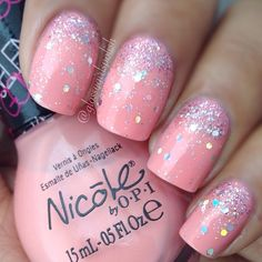 Pink and sparkly nails by this Nicole by OPI nail polish♡ Frensh Nails, Diy Nails, Hair And Nails, Nails 2016, Gradient Nails, Stiletto Nails, Coffin Nails, Birthday Nail Designs, Birthday Nails