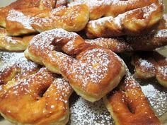 Moje pyszne, łatwe i sprawdzone przepisy :-) : Taratuszki-pulchne faworki na kefirze, szybkie, pyszne idealne na tłusty czwartek Sweet Little Things, Kefir, Pretzel Bites, Doughnuts, Baking Recipes, Sweet Tooth, French Toast, Food And Drink, Bread