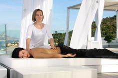Summer special outdoors spa treatments at Balinese beds at SHA Wellness Clinic Wellness Clinic, Wellness Spa, What Is Reiki, Spa Breaks, Alcohol Is A Drug, Moraira, Travel Workout, Spa Treatments, Hotel Spa