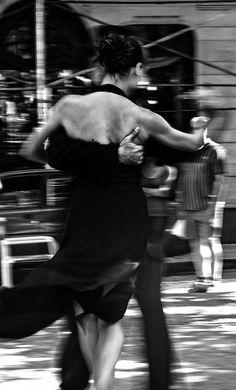 Tango en San Telmo - Argentina by Pablo Caro