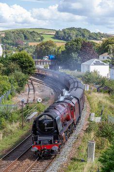 Steam Trains Uk, Old Steam Train, Diesel Locomotive, Steam Locomotive, Heritage Railway, Buses And Trains, Steam Railway, British Rail, Train Tracks