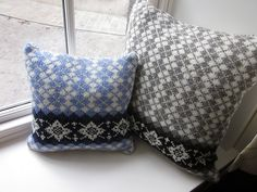 """""""Originally designed to complement the Christmas """"Scot""""-ing, these cushions quickly became loveable favourite items of the household. Fair Isle Knitting Patterns, Knitting Designs, Knitting Projects, Crochet Patterns, Knitting Ideas, I Cord, Cushion Pads, Easy Knitting, Traditional Design"""