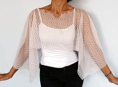 Lace Bolero Capelet Dusty Powder Pink Shrug V Neck by mammamiaeme a bit too sheer and square, but an interesting neckline