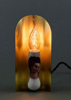 Objekt# Kunst#, hier umgesetzt in Form einer Lampe# besteht aus alter Reservistenpfeife . Alter, Form, Table Lamp, Lighting, Design, Home Decor, Sculptures, Artworks, Kinetic Art