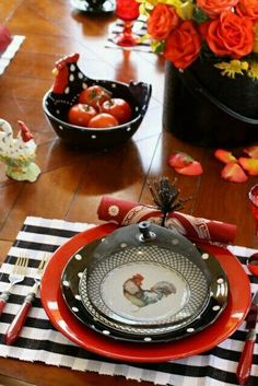 french country decor for the home rooster Rooster Kitchen, Red Kitchen, Country Kitchen, Kitchen Decor, Kitchen Ideas, Kitchen Magic, Rooster Decor, Red Rooster, French Country Dining