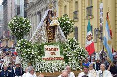 En el Día de Oración por Chile, la multitud de fieles acompañó con mucho fervor a la Madre de Nuestro Señor en su trayecto por el centro de Santiago.