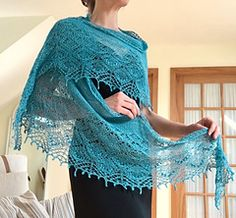 Ravelry: Frosty Apples Shawlette pattern by Lyubov Shalnaya