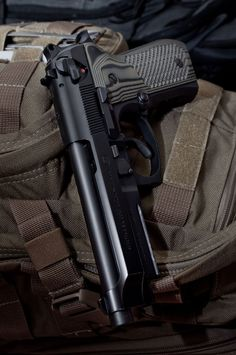 Beretta with olive Wilson Combat grips. Military Weapons, Weapons Guns, Guns And Ammo, Military Life, Armas Wallpaper, Beretta 92, Wilson Combat, By Any Means Necessary, Cool Guns