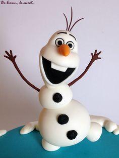 Figura de Olaf de fondant para la Tarta sencilla de Frozen para Olivia. #olaf #frozen #tartafrozen #frozencake #hermanasfrozen #frozensisters #tarta #cake #papeldeazucar #fondant #handmade #hechoamano #figurafondant #fondantfigure #fondantolaf #olaffondant