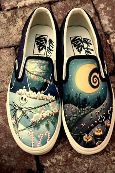 ...nightmare before Christmas... Tim Burton, Sock Shoes, Vans Shoes, Shoe Boots, Crazy Shoes, Me Too Shoes, Looks, Painted Vans, Custom Painted Shoes