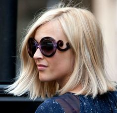 Fearne Cotton recently showed off a shorter hairstyle, cut by the hairdresser responsible for Jessie J's glossy bob. Choppy Bob Hairstyles, Celebrity Hairstyles, Pretty Hairstyles, Blonde Haircuts, Medium Hairstyles, Summer Hairstyles, Long Concave Bob, Fearne Cotton Hair, Divas