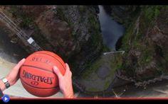 È l'effetto del pallone che fa muovere le navi Vieni, dunque, sulla cima della diga Gordon in Tasmania fino a 126,5 metri da terra, con lo scopo di raggiungere una meta totalmente senza precedenti. Essere il primo uomo, donna o bambino, ad aver s #fisica #ingegneria #germania #storia