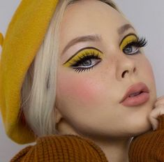 makeup trends The Cruelty-Free Makeup Brand You've Completely Underestimated Yellow Makeup, Pink Makeup, Girls Makeup, Makeup Eyes, Yellow Eyeshadow, Small Eyes Makeup, Face Makeup Art, Edgy Eye Makeup, Under Eye Makeup