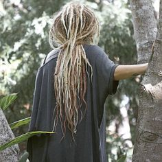 eeep! if there were such a thing as perfect dreads, I'm pretty sure @faeraineboh has them ! // #divinedreads