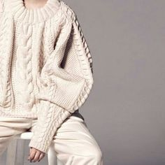 WEBSTA @ m.pic__ - 可愛い袖季節はこの先春に向かうというのに頭の中はモコモコニットばかり夏でもウールの毛糸で編み物してるので、今から暑苦しい写真ばかりになるだろうなぁと思ってます。笑#knitting#knitting_inspiration#編み物#暮らし#妄想#編み物部
