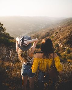 Read from the story Fotos Para Portadas by (Nicole) with reads. Sister Photos, Best Friend Pictures, Friends Forever, Best Friends, Besties, Hiking Photography, Film Inspiration, Valley View, Bff Pictures
