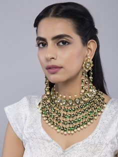 Antique Jewelry, Gold Jewelry, Women Jewelry, Indian Jewellery Design, Indian Jewelry, Indian Embroidery, Wedding Sets, Indian Beauty, Necklace Set