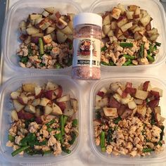 Meal prepping Baked red potatoes with lean ground turkey and asparagus. #bakedredpotatoes#leanturkey #asparagus#flavorgod#mealprep #mealplanning#mealprepping #mealprepdaily#mealprepmonday #mealplan#cleaneating#dicipline #hungrygirl#gaiz#sundayfunday # lovetocook#girlsthatlift#strong #brunabfit#nevergiveup#abs #absaremadeinthekitchen#love by brunabfit