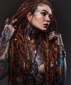 4 Tattoo, Body Art Tattoos, Girl Tattoos, Tattoos For Women, Tattooed Women, Tattoed Girls, Inked Girls, Dreadlocks Girl, Goth Beauty