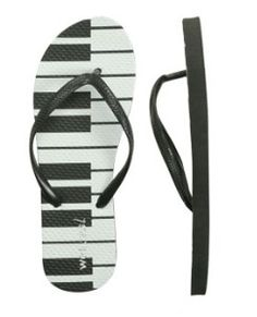♫♪♬ piano ! piano ! ♫♪♬ piano flip flops and/or thongs. http://www.pinterest.com/TheHitman14/music-paraphenalia/
