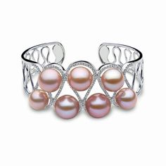 Romantic, exotic and spellbinding - Yoko London purple-pink Radiant Orchid pearls are a breathtaking choice for 2016 brides-to-be