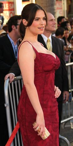 """Hayley Atwell Photos Photos: Premiere Of Paramount Pictures & Marvel Entertainment's """"Captain America: The First Avenger"""" - Arrivals Beautiful Celebrities, Beautiful Actresses, Beautiful Women, Hayley Elizabeth Atwell, Jolie Lingerie, Peggy Carter, Paramount Pictures, Jolie Photo, Female Form"""