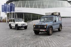 Mercedes-Benz has debuted the G-class Edition celebrating the anniversary of the iconic G-Wagen. The upgraded G-Class will be offered in two Mercedes Benz Clase G, Mercedes G Wagen, Mercedes Benz Autos, Mercedes Benz G Class, Benz Sls, Classic Mercedes, Suv Cars, Automobile Industry, G Wagon