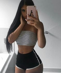 Really cute outfit perfect body Mode Outfits, Trendy Outfits, Summer Outfits, Fashion Outfits, Womens Fashion, Fashion Clothes, Teen Fashion, Fashion Ideas, Mädchen In Bikinis
