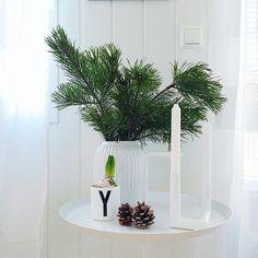 Instagram; @interiorbonanza ▪️ Scandinavian Christmas decoration - Kähler Hammershøi - Nur design