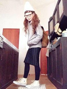 ANAPのスカート「ANAP ストライプ膝丈SK」を使ったよちのコーディネートです。WEARはモデル・俳優・ショップスタッフなどの着こなしをチェックできるファッションコーディネートサイトです。 Fall Outfits, Normcore, Hipster, Asian, How To Wear, Clothes, Japanese, Style, Outfits