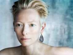 """Hollywood actress Tilda Swinton attended a press conference for her film """"A Bigger Splash"""" (directed by Luca Guadagnino) at the Busan International Film Festival(BIFF) on October 2. At the conference she spoke about her affection for her Korean colleagues. """"Recently I worked with director Bong Joon..."""
