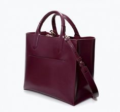 This bag's wine color gives it an instantly ladylike vibe. // Mini Shopper by Zara