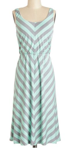 #mint and #grey dress http://rstyle.me/n/gevmzpdpe