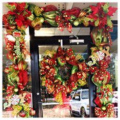 Christmas Door Garland u0026 Wreath & The Sparkle Queen: How To: Beautiful Christmas Door Garland ... pezcame.com
