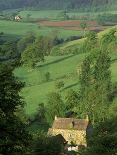 Cotswold Hills, England - Seen the beauty of this place in person, and this picture, while it does little justice, brings back a flood of memories. Beautiful World, Beautiful Places, Provence, Decoration Plante, Nature Aesthetic, Foto Art, Stonehenge, English Countryside, Country Life
