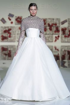 Vestidos de novia cuello cisne 2017: Déjate seducir por su elegancia en tu gran día Image: 10