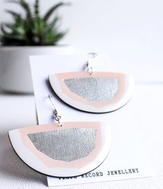 Classy pink and silver upcycled vinyl record semicircle earrings / responsible fashion Eco Resin, Handmade Accessories, Signature Style, Sustainable Fashion, Vinyl Records, Silver Plate, No Response, Upcycle, Classy