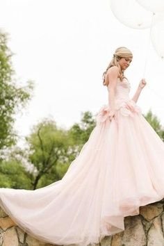 I want a wedding dress thats my favorite color.. Pink!!!