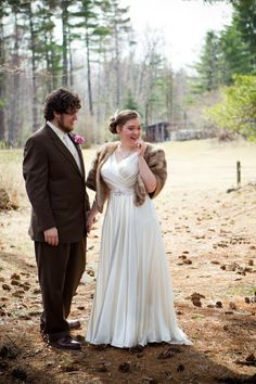 Madeleine's Daughter Blog, Real bride, Real wedding, Jenny Packham, Darling, Fur wrap, ivory, charmeuse, v-neck, beading