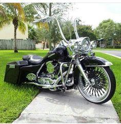 Harley Davidson News – Harley Davidson Bike Pics Harley Bagger, Bagger Motorcycle, Harley Softail, Harley Bikes, Motorcycle Garage, Motorcycle Couple, Motorcycle Quotes, Harley Davidson Road King, Motos Harley Davidson